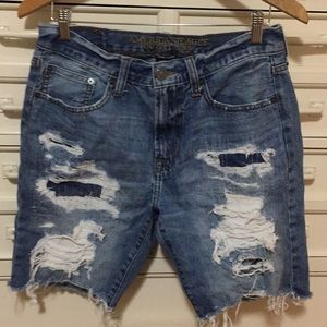 American Eagle Outfitters distressed shorts SZ 31